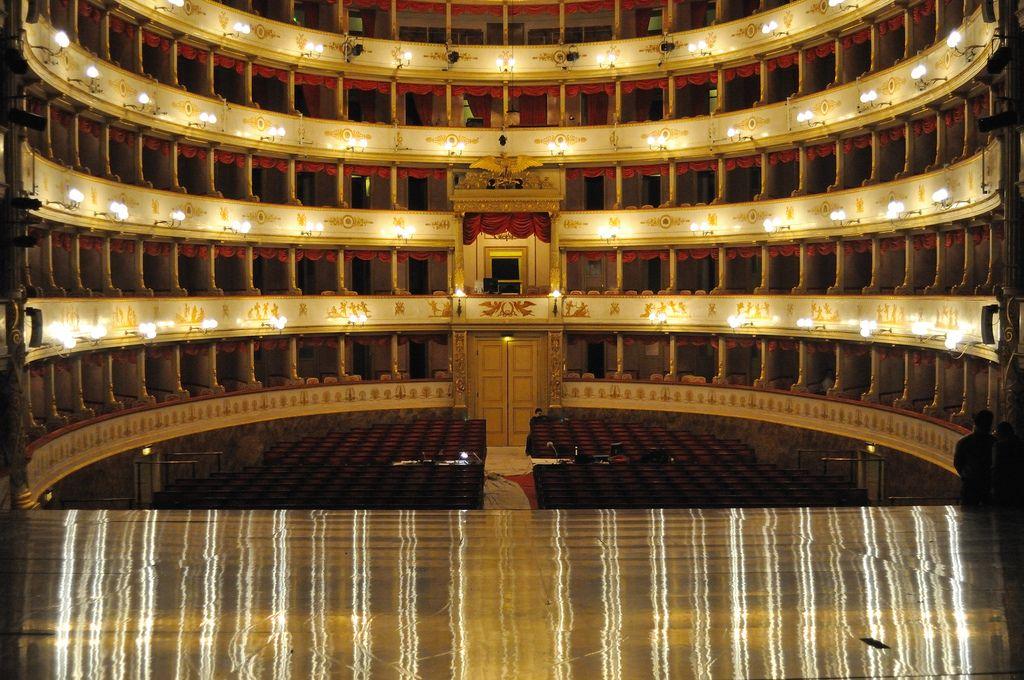 Teatro Comunale Pavarotti Modena Teatro Modena Opera House