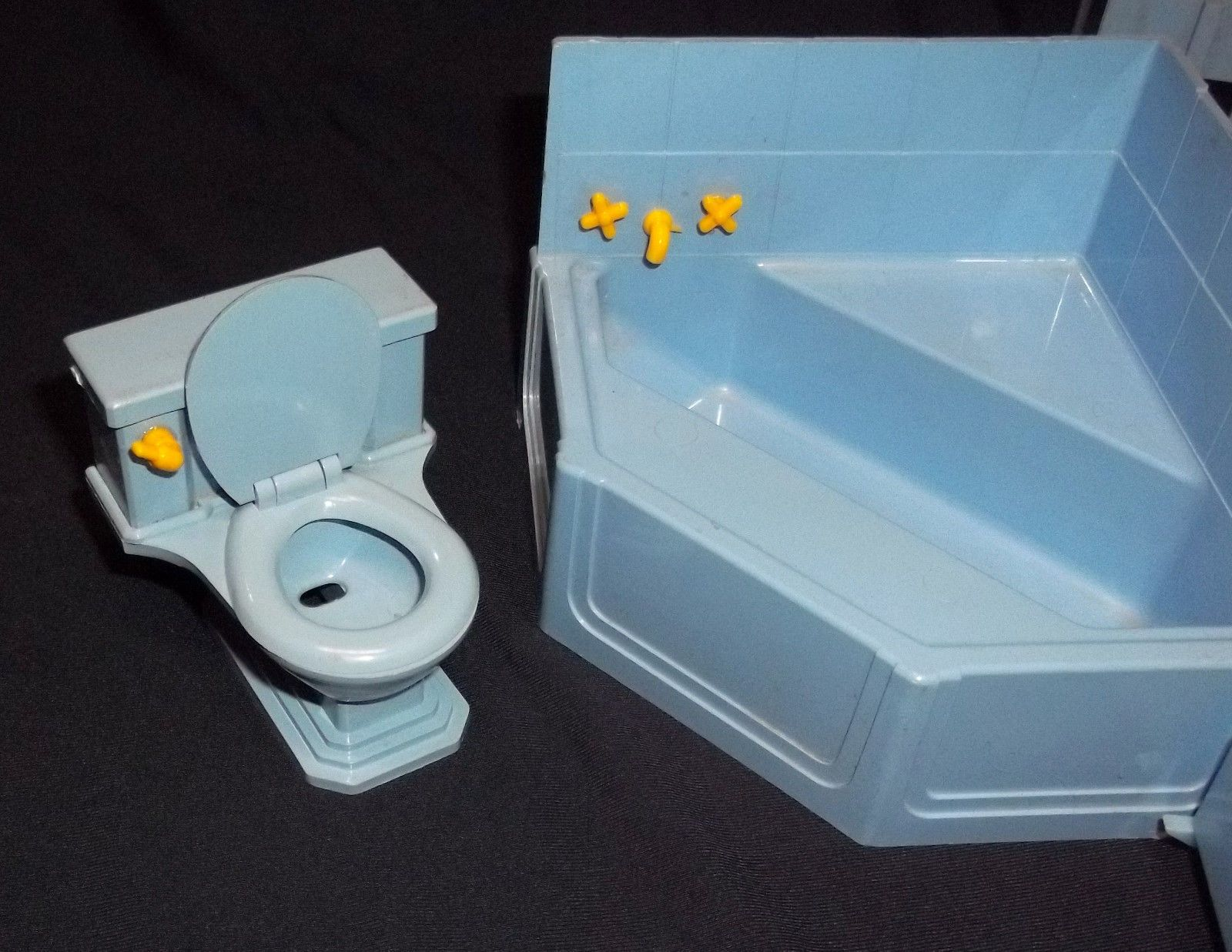 VTG. IDEAL DOLL HOUSE FURNITURE-CORNER TUB, ADIRONDACK CHAIR, TOILET ...