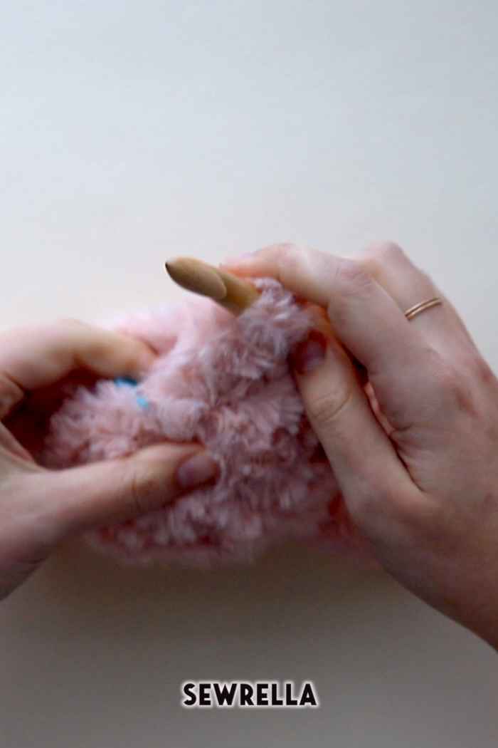 Photo of Free Crochet Video with Faux Fur Yarn