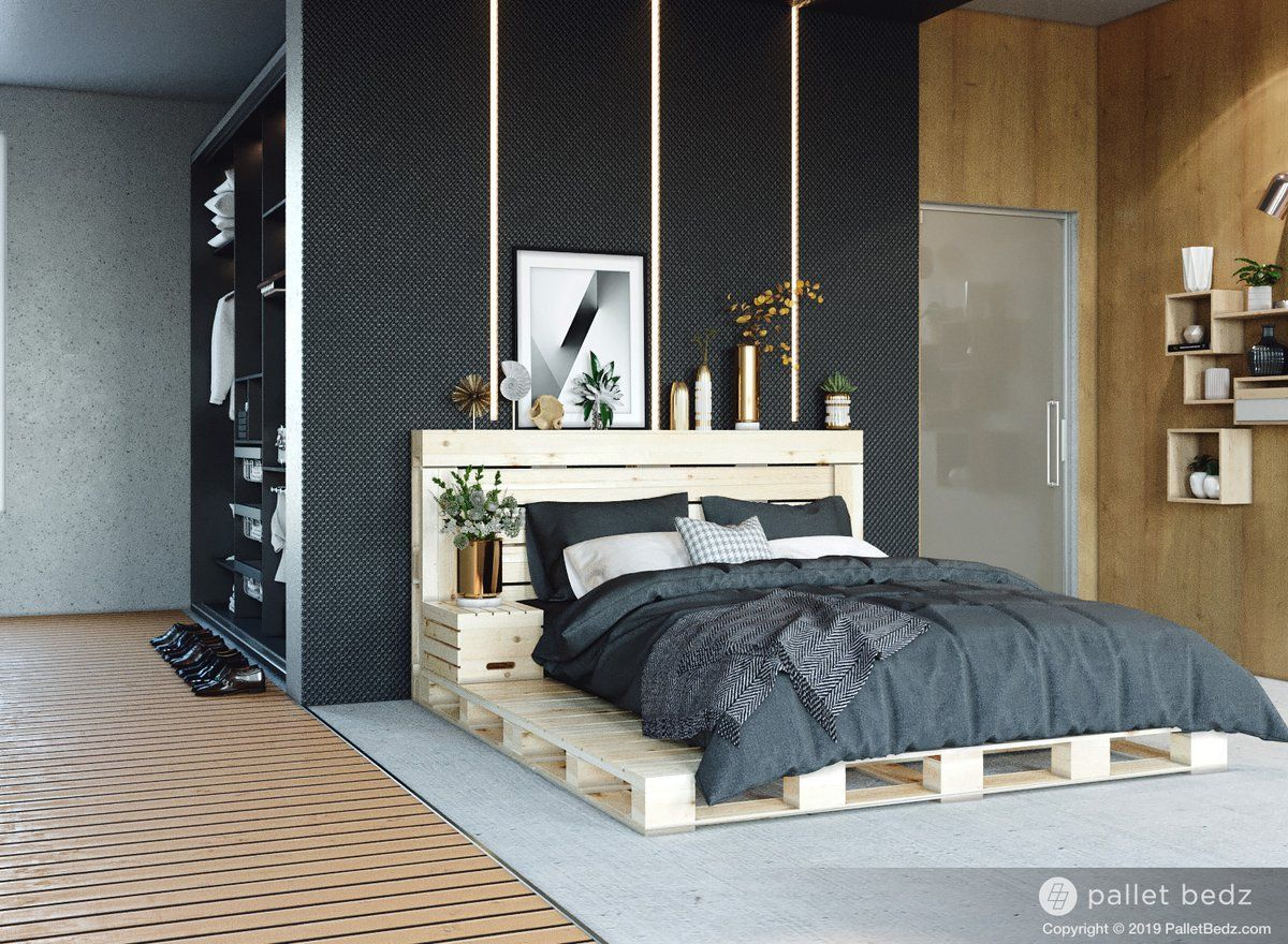 The Queen Pallet Bed Wood pallet beds, Diy pallet bed