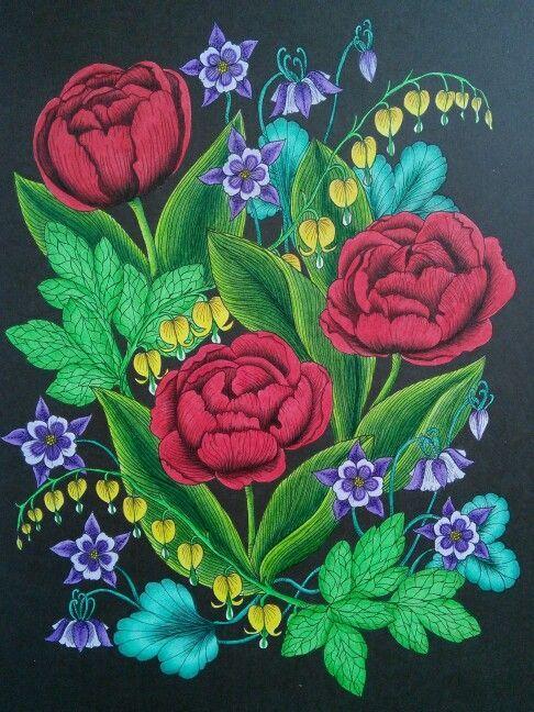 Tulips from Blomstermandala. Coloured by Hakum Kakum. #blomstermandala #mariatrolle #hakumkakum: