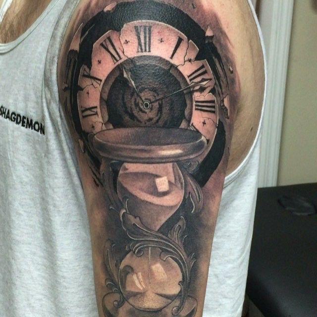 Hourglass tattoo vorlage  Black and gray realism hourglass tattoo | Custom Tattoos ...