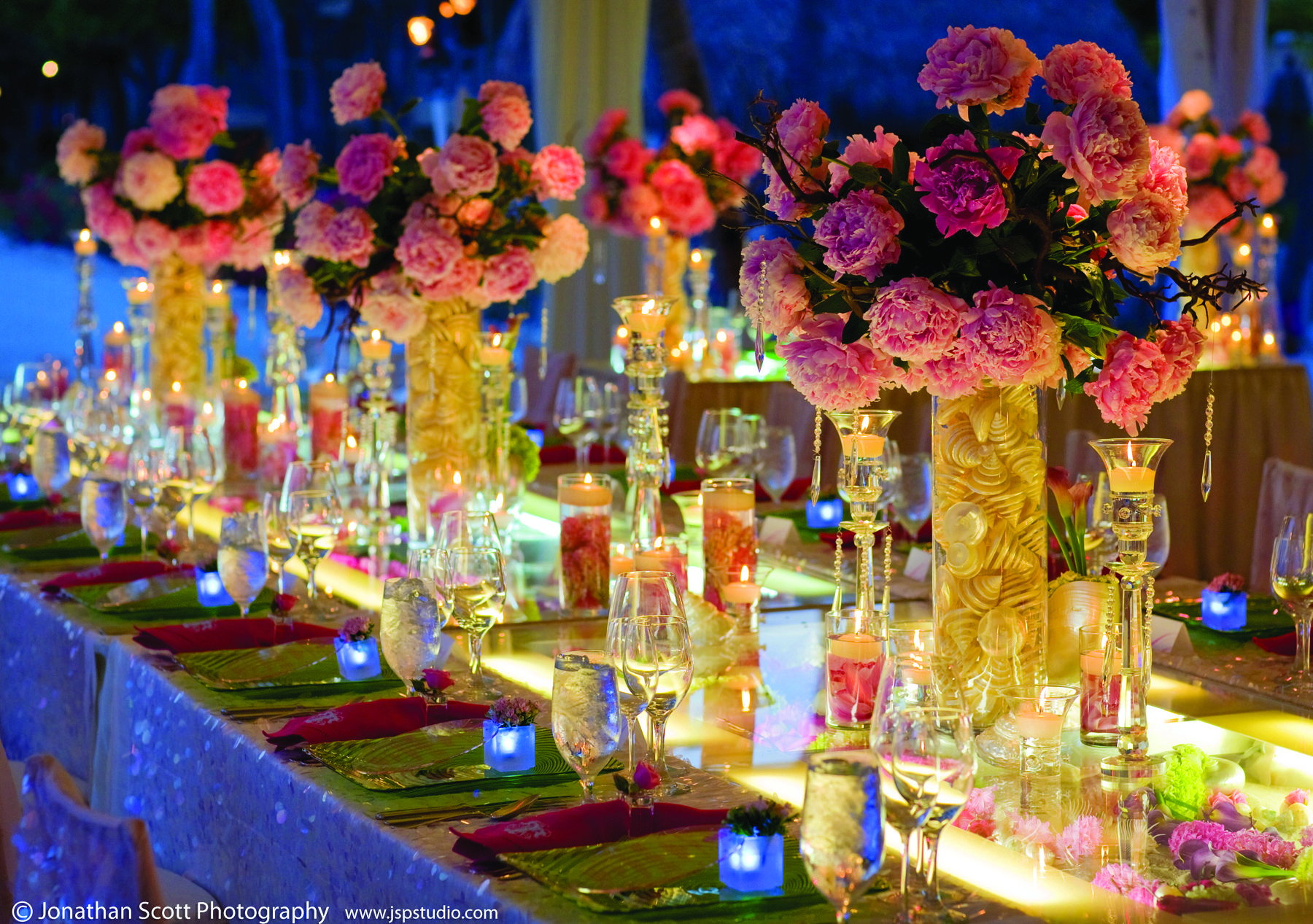 Pink and maroon wedding decor  Gorgeous Pink Wedding Centerpieces  wedding  Pinterest  Pink