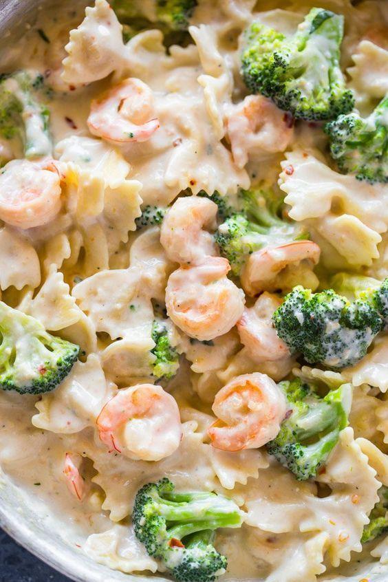 Skinny Garlic Shrimp Broccoli Alfredo Di 2020 Resep Makanan Resep Seafood Makanan