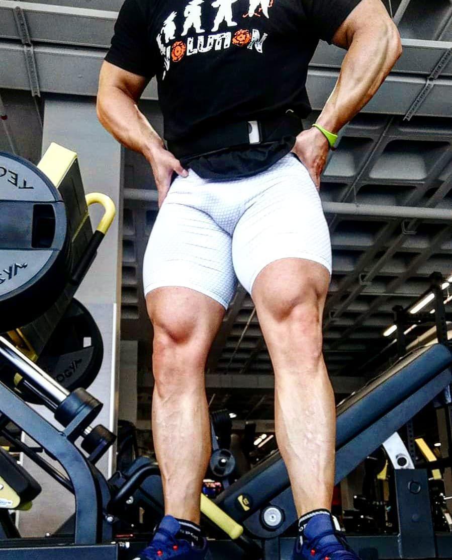 Crecer pequeñas!! 💪😆 #workout #bodybuilding #pesas #culturismo #gymnastics #gy...