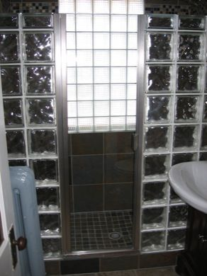 Single Swing Shower Door With Full Continuous Hinge On The Left Side With Our Standard Edge Mounted P Frameless Shower Enclosures Shower Doors Shower Enclosure