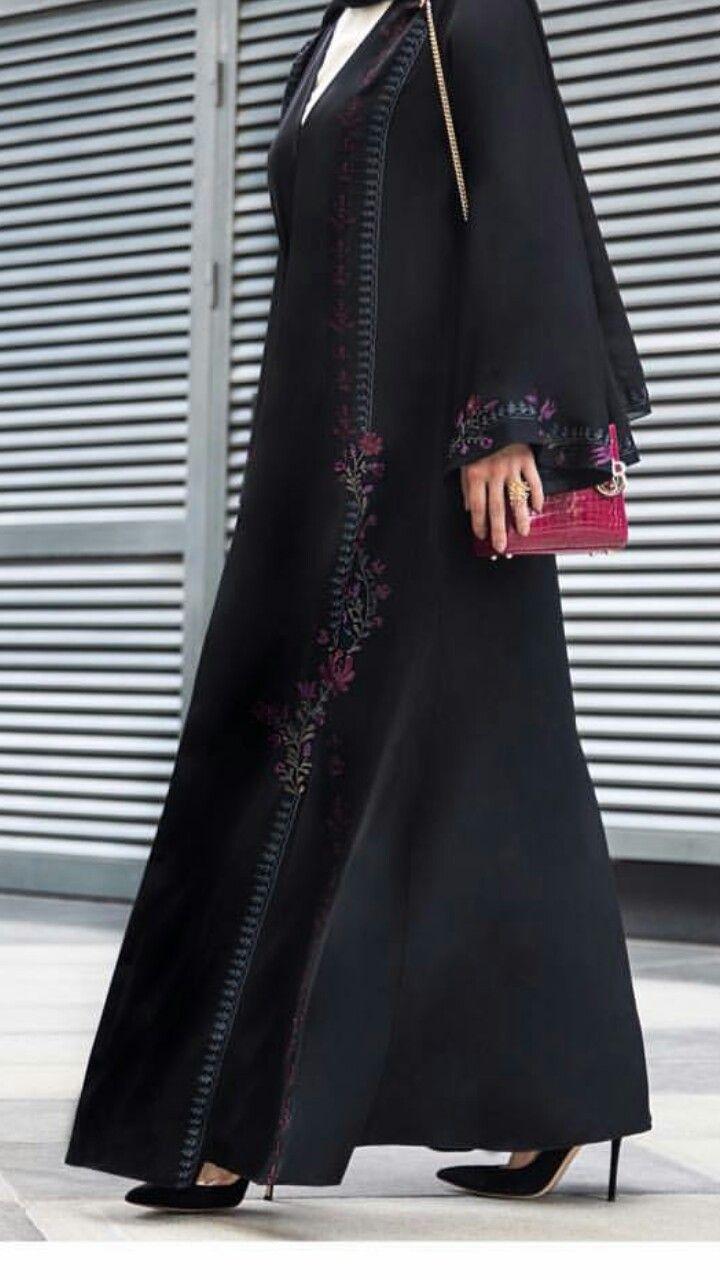 Pin By Khadija On Abayas Abayas Fashion Abaya Fashion Abaya Designs