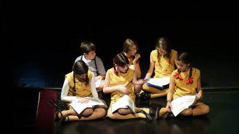 Όταν το #παιδί και το #βιβλίο ομού γιορτάζουν, ποιος δεν θέλει να συμμετέχει σ' αυτή την πνευματική μέθεξη, στο πιο φωτεινό στερέωμα που μπορεί να δημιουργήσει ο άνθρωπος; ______________________ #book #children #vivlio #paidi http://fractalart.gr/to-paidiko-vivlio-giortazei/