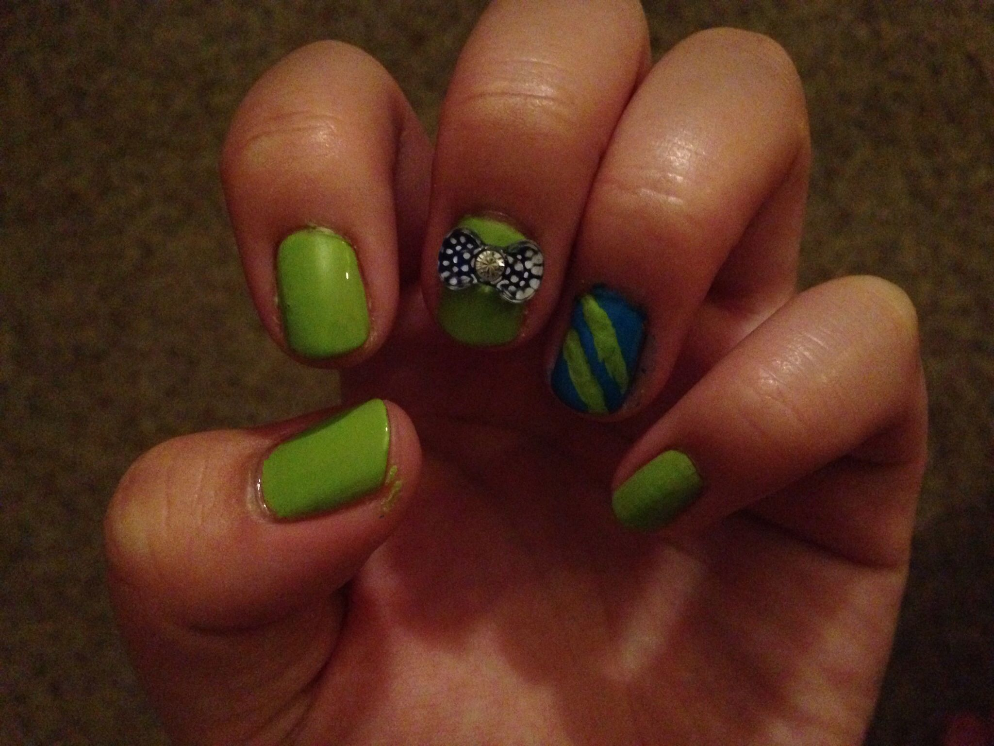 Striped & bow gem accent nail design(: Tips/what you need: •Sally ...
