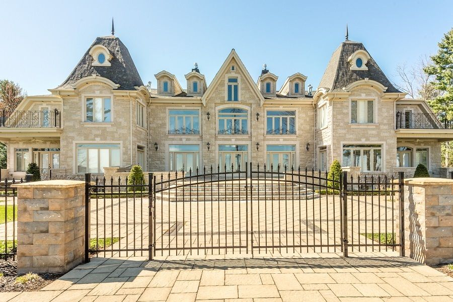 Pin By Power Sisters Ca On 22 Sunrise Hudson Montreal Qc For Sale International Real Estate Residential Real Estate Real Estate