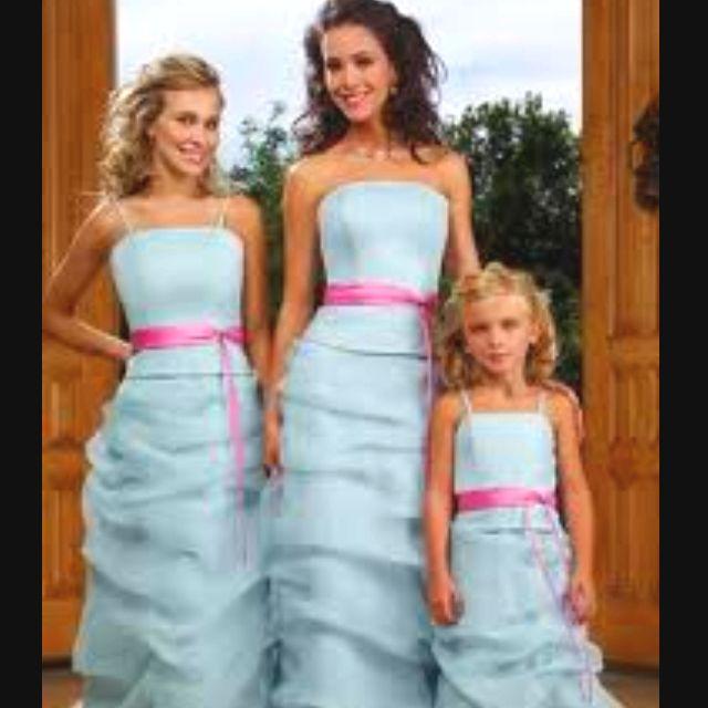 Cute sista bridesmaid dresses!!