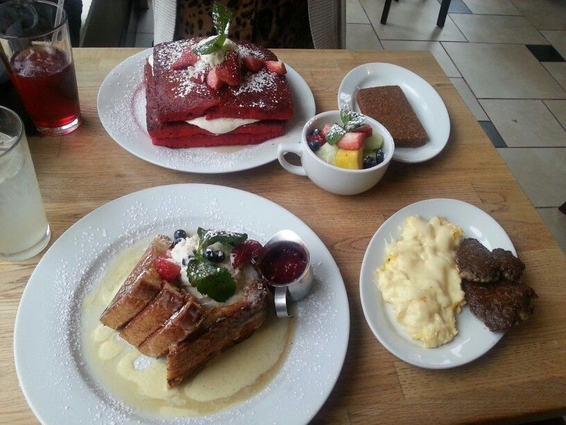 Cremé Brulee French toast & red velvet pancakes - the green eggs cafe <333