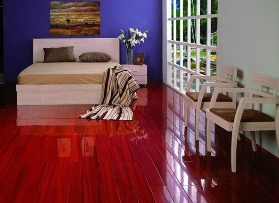 Interior Red Glossy Laminate Flooring With Wooden Surface Pattern Embellishing Simple Bedroom Design Matchin Simple Bedroom Design Simple Bedroom Floor Design