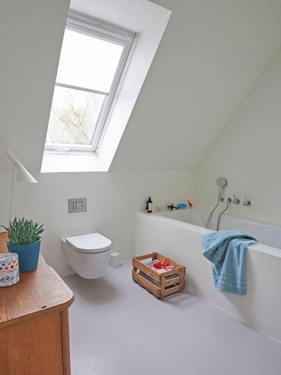 Schon Schrag 7 Tipps Fur Ein Bad Im Dachgeschoss Ratgeberzentrale Badezimmer Dachgeschoss Dachgeschoss Badezimmer Einrichtung