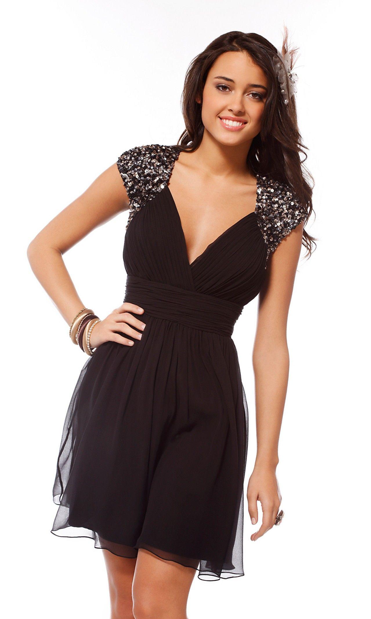 Outfit vestidos formales cortos