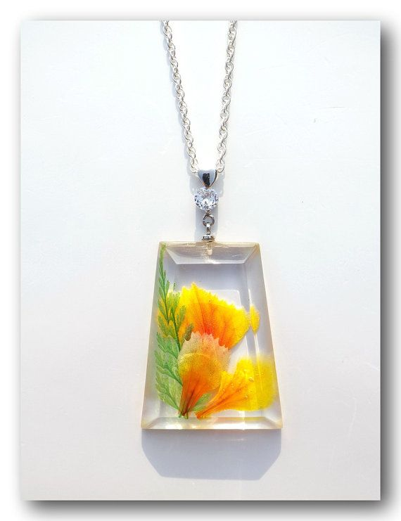 Handmade Jewelry, Resin with Dried flower, Carnation petals, large pendant / necklace