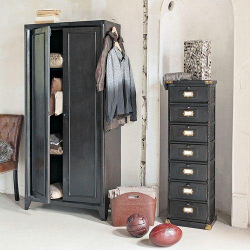 Armoire indus noire chambre anastasia pinterest for Semainier industriel
