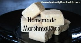 Homemade Healthy Marshmallow Recipe by Donielle of www.NaturallyKnockedUp.com #healthymarshmallows