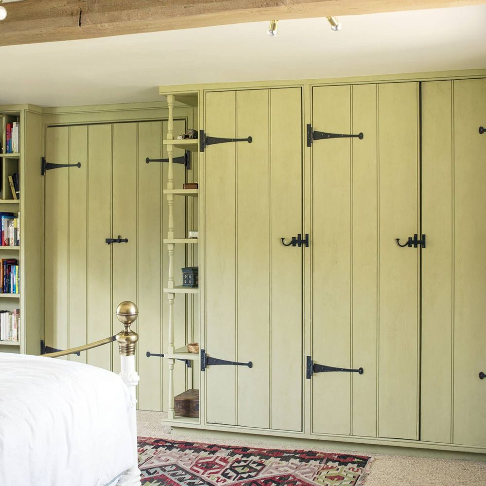 Fitted or freestanding bespoke wardrobes | Built in ...