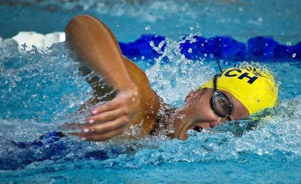 Jak schudnąć pływając na basenie