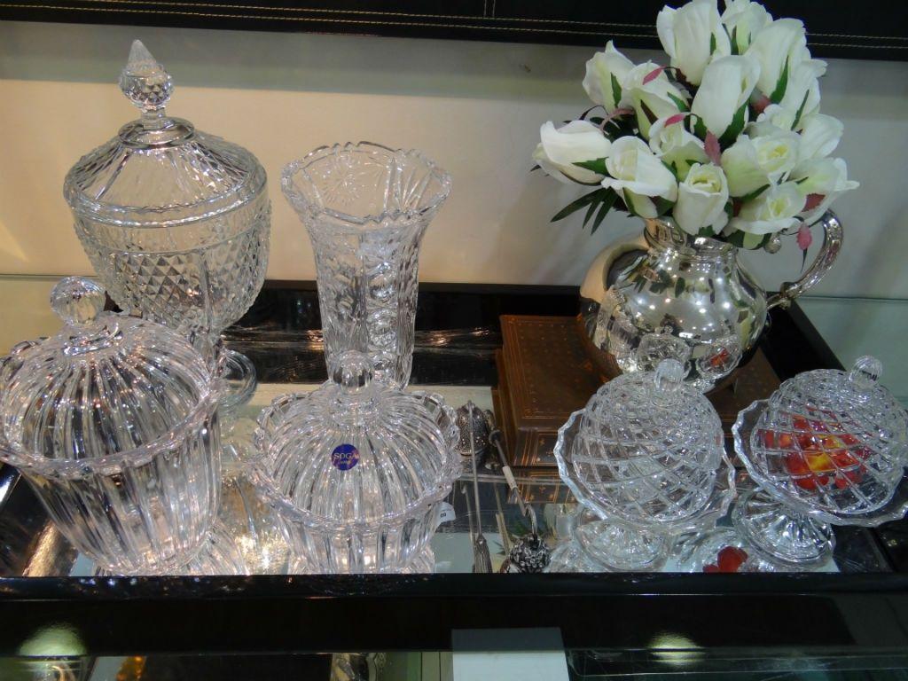 Bomboniere de cristal podem ser usadas para os mais diferenciados fins e incrementam a decoração.