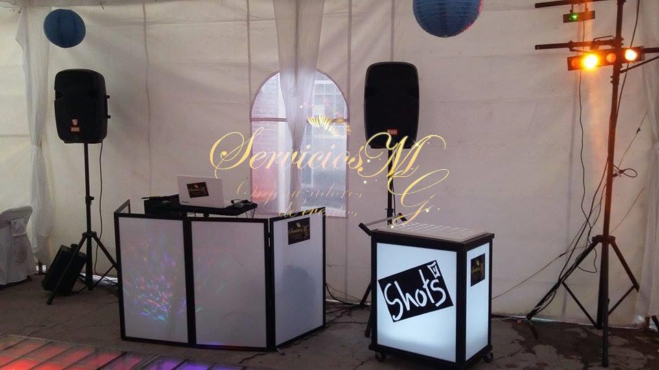 Audio e Iluminación & Carrito de Shots