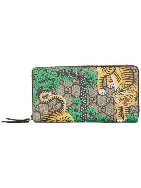 4bcb66de1e1 GUCCI Large Tiger-Printed Wallet.  gucci  wallet