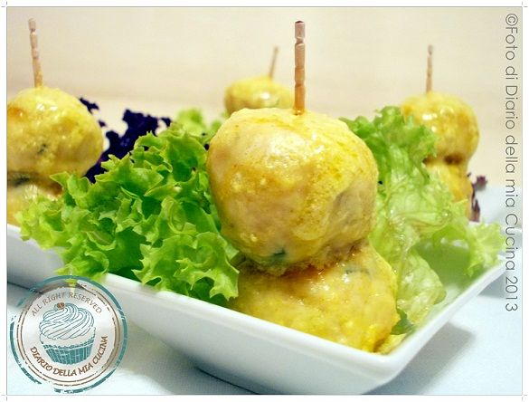 Chicken meatballs with basil cream curry
