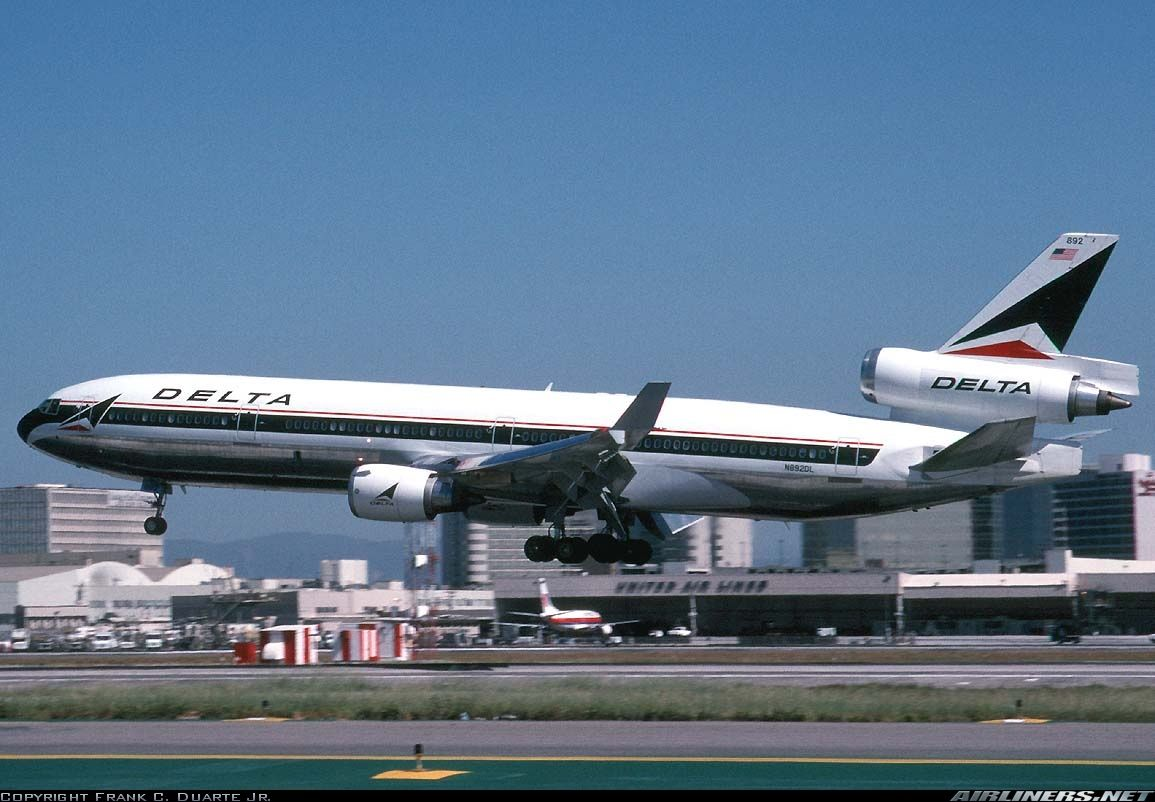 McDonnell Douglas MD11 Delta Air Lines Aviation Photo