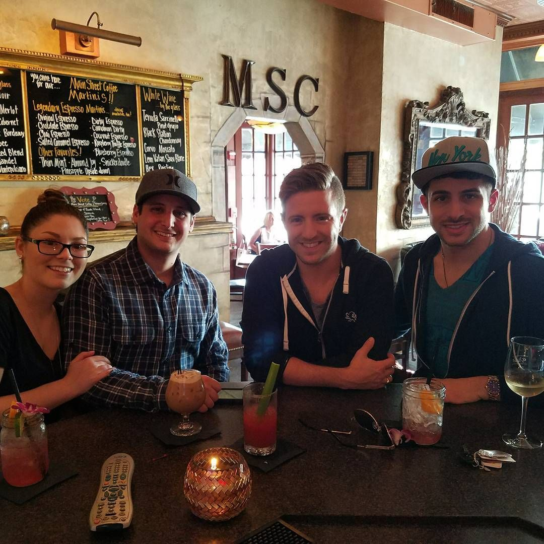 "117 Likes, 1 Comments - Chris Meyer (@meyerflies) on Instagram: ""Hanging out with my brother and his girlfriend!!"""