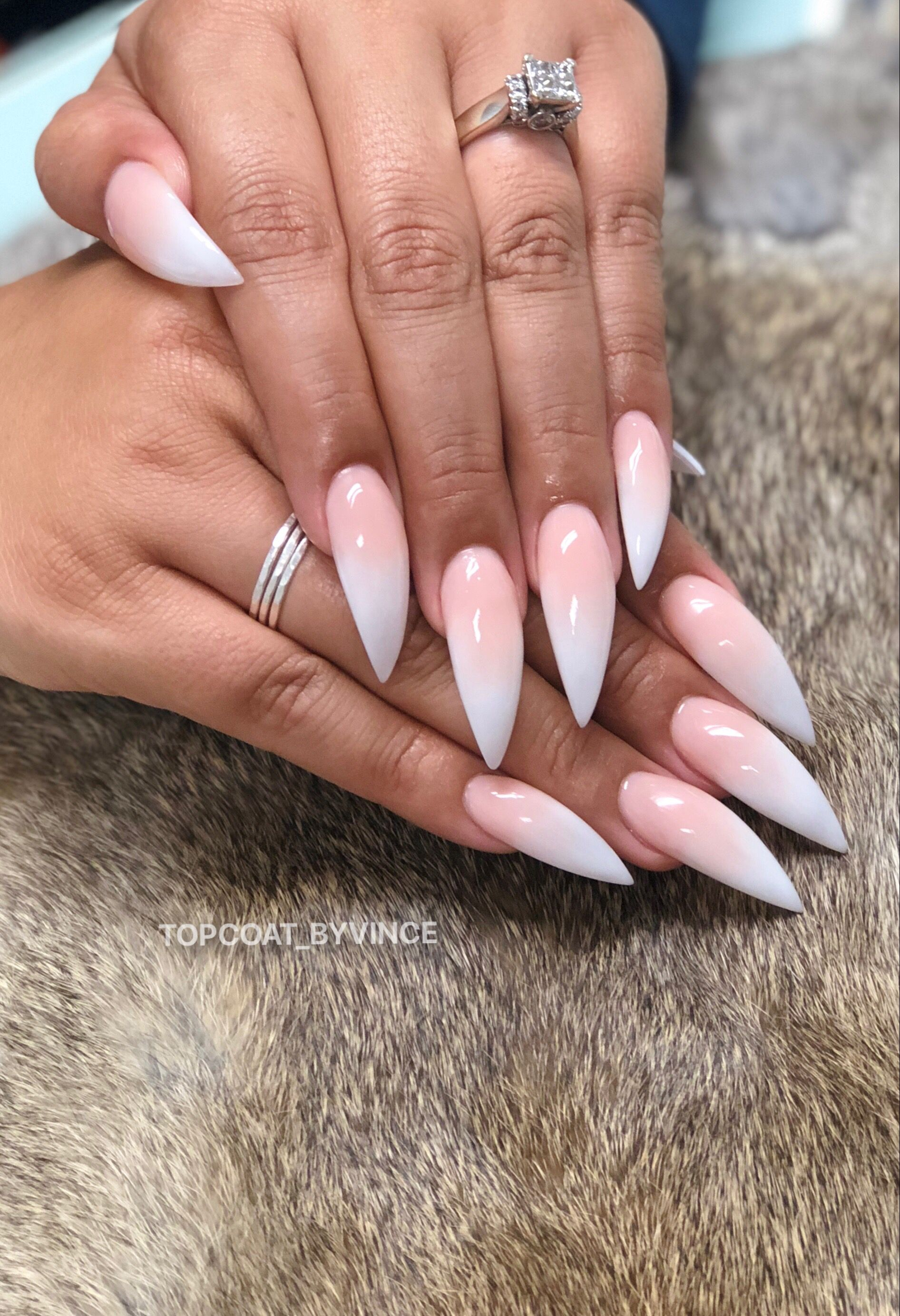 Ombré nails with stiletto shape