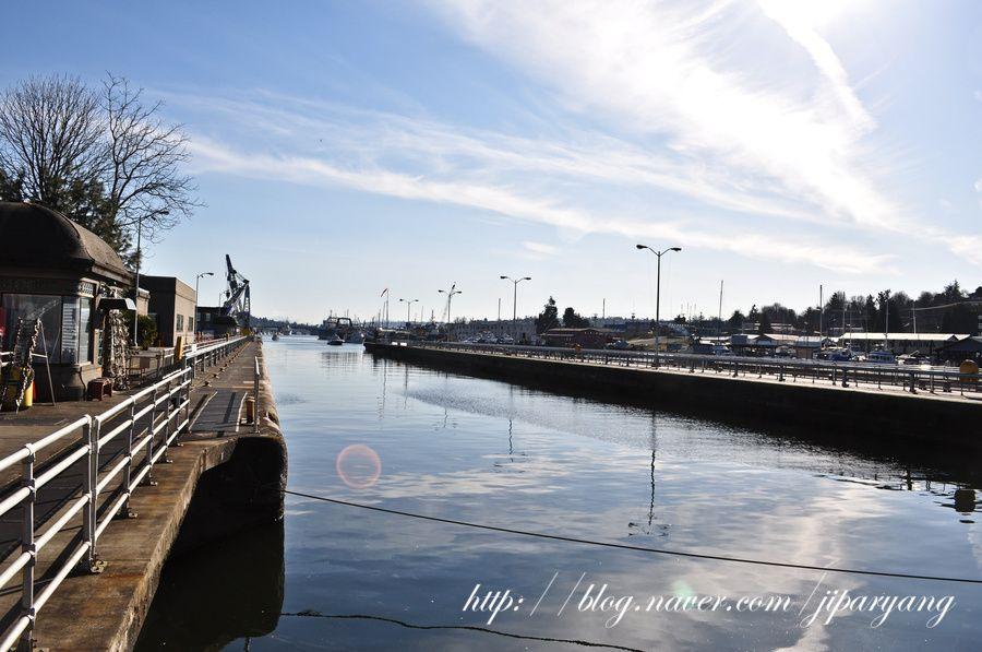 Hiram M. Chittenden Locks, Ballard, Seattle. The Ballard Locks is a complex of locks that sits at the west end of Salmon Bay, part of Seattle's Lake Washington Ship Canal (Wikipedia)