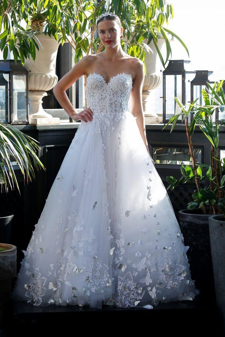 Schmetterling Applikation auf Brautkleid von Francesca Miranda auf