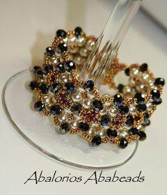 Cayetana                         Que bella es esta pulsera de Deborah Roberti   con alteraciones hechas por Magdalena   que la hacen ser a...