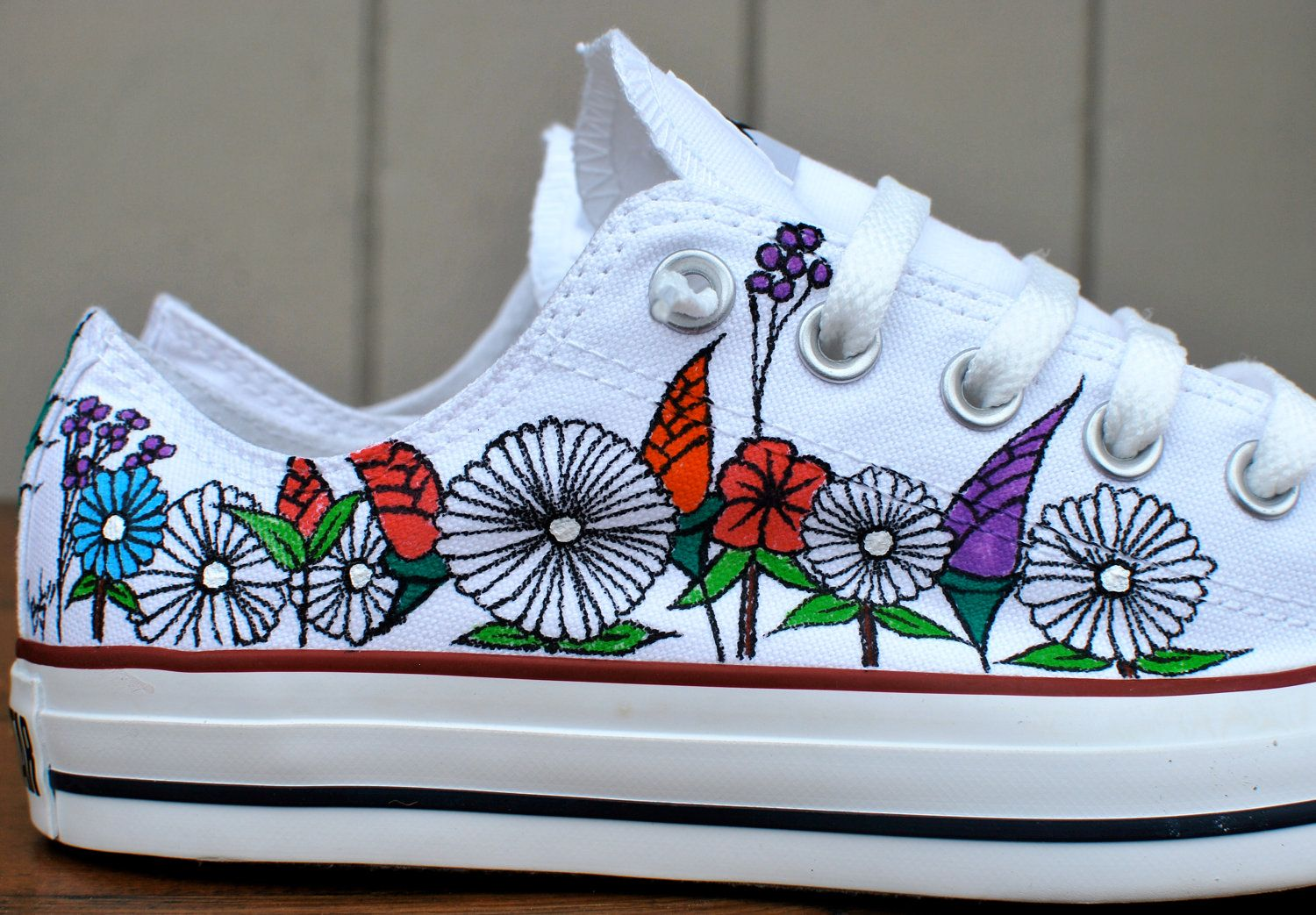 22607fb2e0d Custom hand painted flowers on low top Converse Chuck Taylor All ...