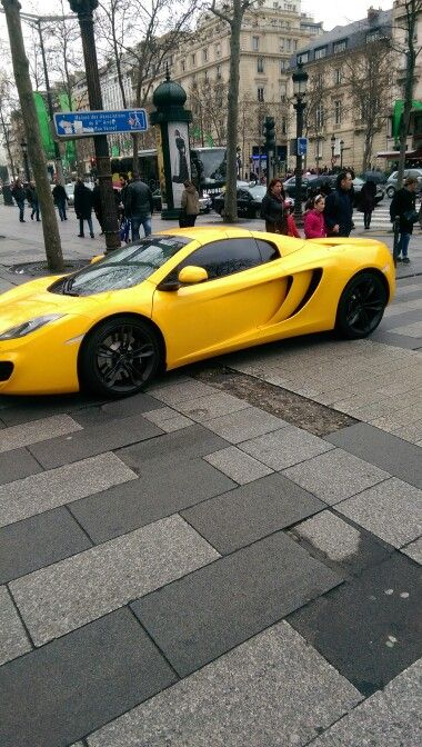 Saw this in Paris. Cars, Ferrari