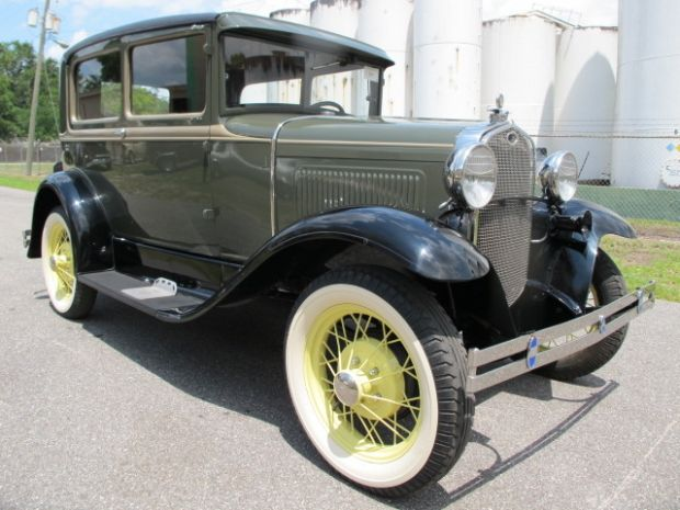 1930 Ford Model A 2 Door Sedan Image 1 Of 2 Ford Models Ford Car Ford