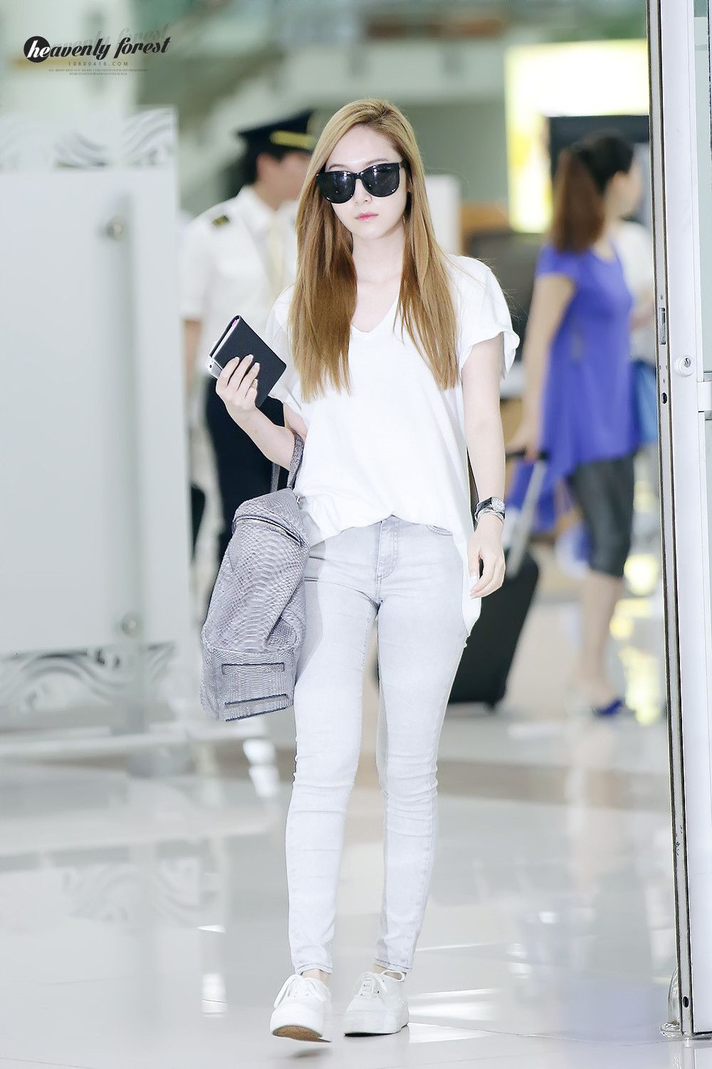 Jessica Jung Airport Fashion Jessica Jung Pinterest Grey Jeans Instagram And Jessica Jung