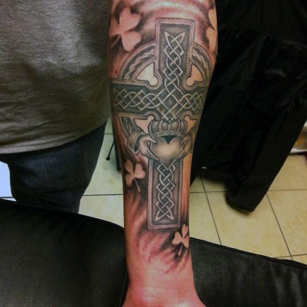 Irish Tattoos For Men: Claddagh Tattoo Men - Google Zoeken