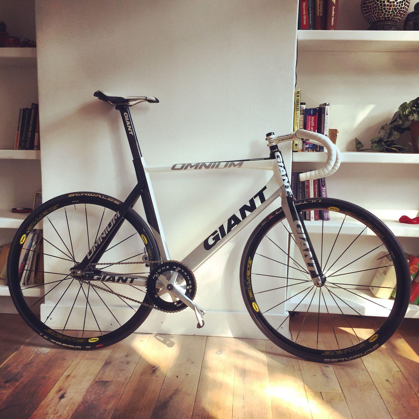 My new ride! #giant #fixedgear #fixie