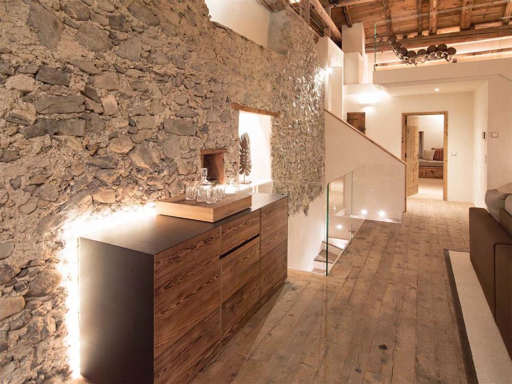 Photo of Luxus in einem 300 Jahre alten Haus in St. Moritz, Schweiz restau