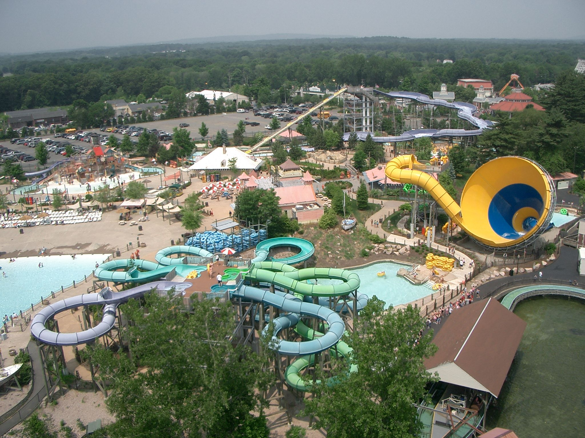 Going To Six Flags Water Parks And Rides With Images Busch Gardens Williamsburg Boston Vacation New England