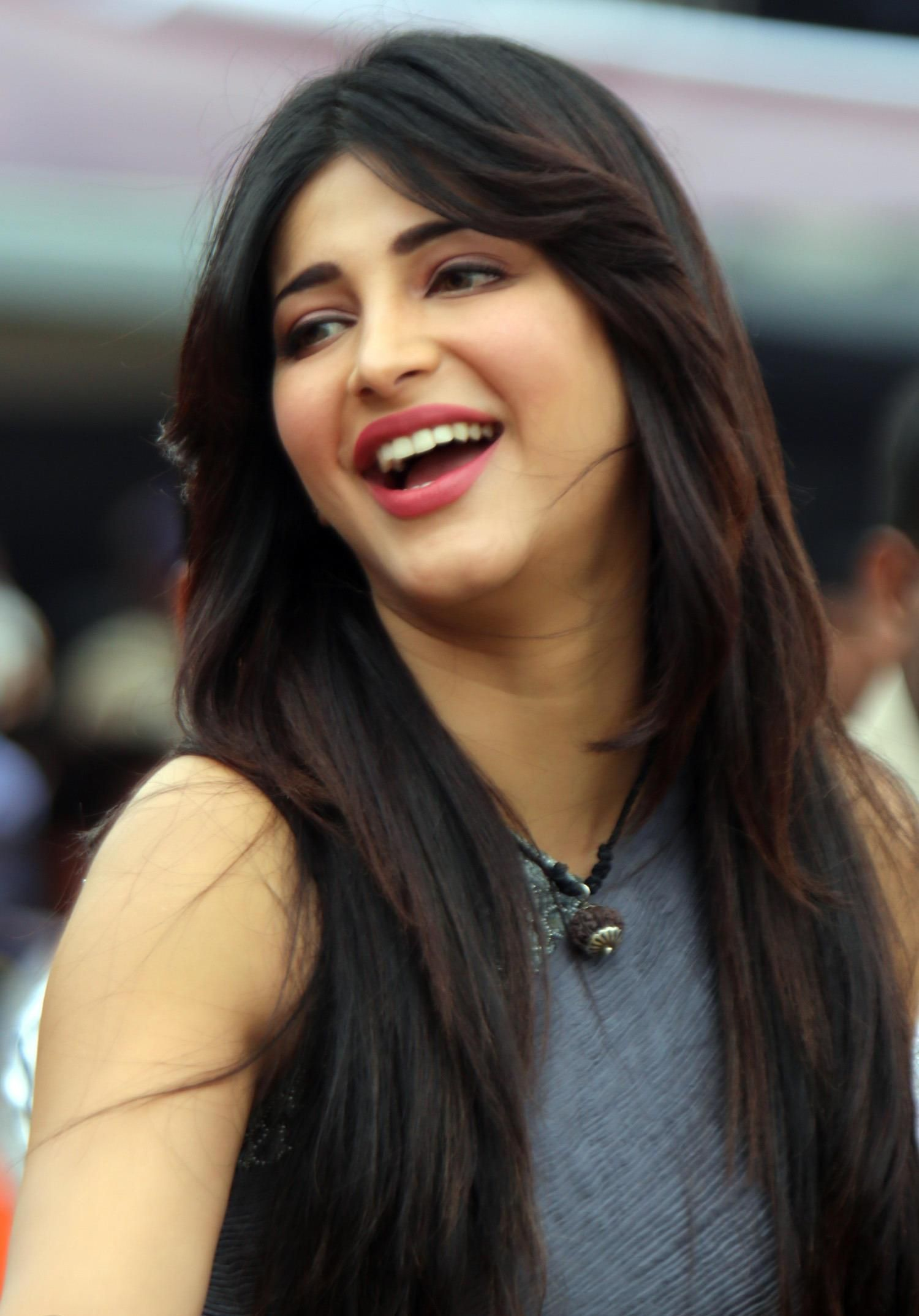 Shruti Hassan Beautiful HD Wallpaper My Shru  Shruti hassan