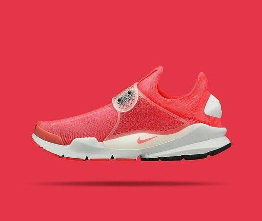 d9b2fa4d6660 NikeLab Sock Dart SP