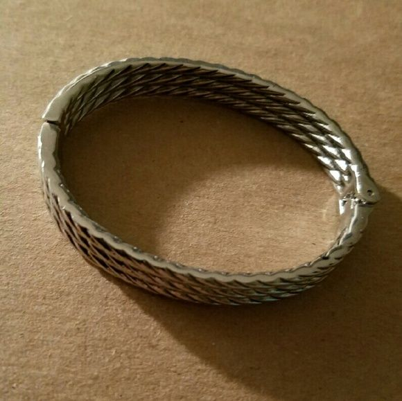 Brighton hinged bracelet Brighton hinged bracelet. Excellent condition. Silver plated. Brighton Jewelry Bracelets