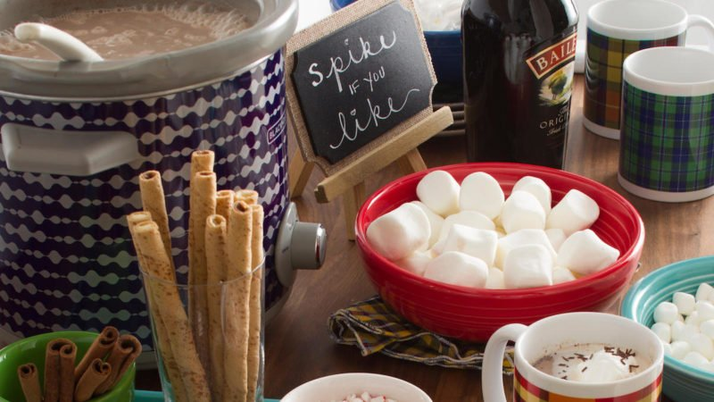How to Build a Hot Chocolate Bar for Your Next Holiday Party #hotchocolatebar