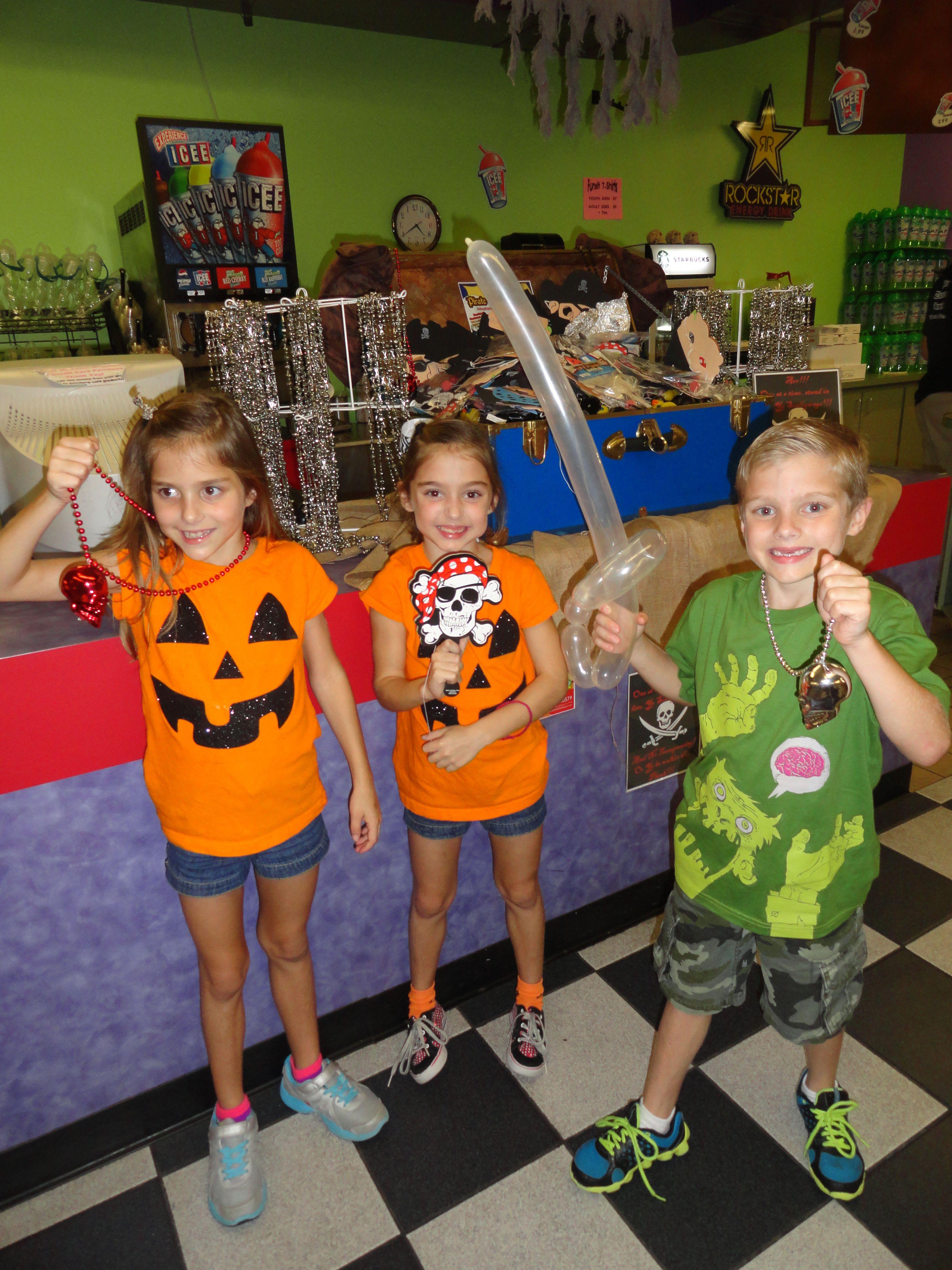 Family Treasure Hunt At Putt Putt Fun House