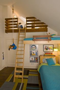 B075c03ec8a14796eb67ceb2035a98e4g 236354 bunk rooms 10 loft beds love this room 3 beds this is so cool its even got a pulley sisterspd