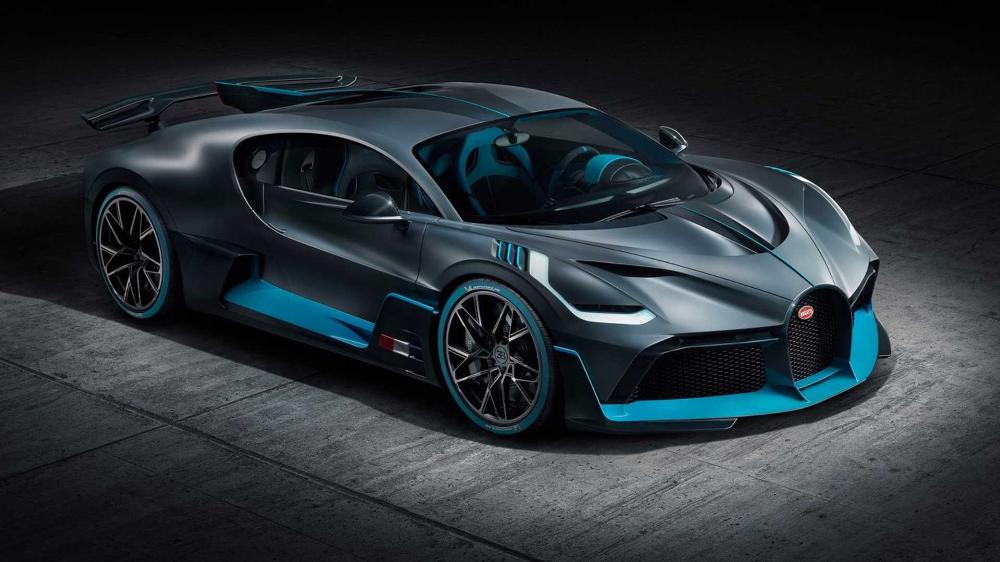 600k Gets You A Spot In Line To Buy A 2020 Bugatti Divo Motorious Super Sport Cars Bugatti Cars Super Cars