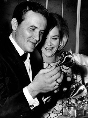 Roger Miller And His Wife Leah In 1964 Orchestra Music Country Music Country Singers